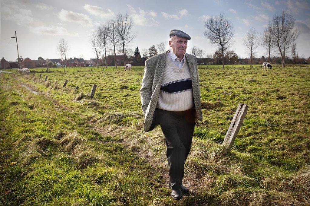 Evdj 397388 Pano Polderverhalen: de boeren: het land achter zijn oude woning