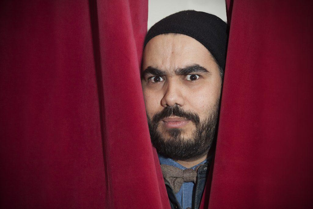 Evdj 399138 Acteurs van nieuw televisieprogramma op Canvas: Comedian vindt werk.Arbi el Ayachi